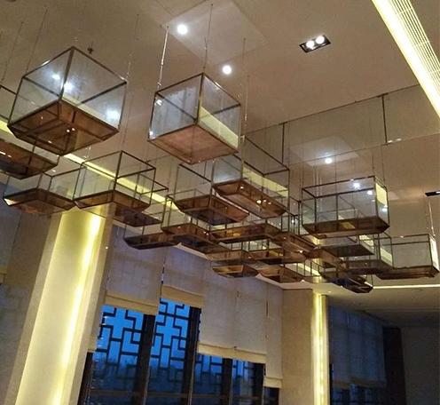 浅述酒店水晶灯的不锈钢和铁底座的特点