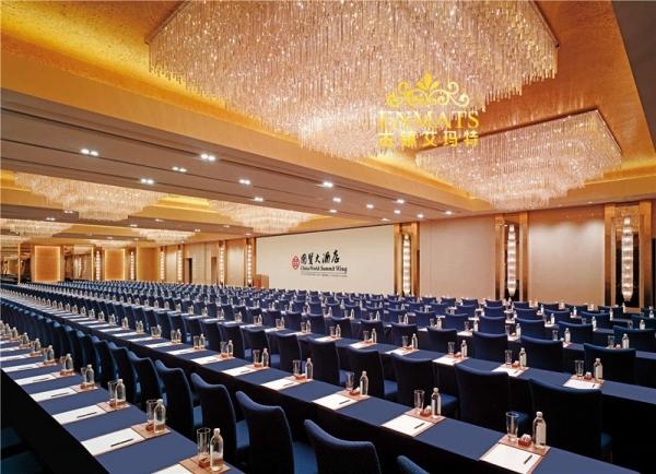 酒店装修设计要留意什么难题 酒店餐厅水晶灯很重要